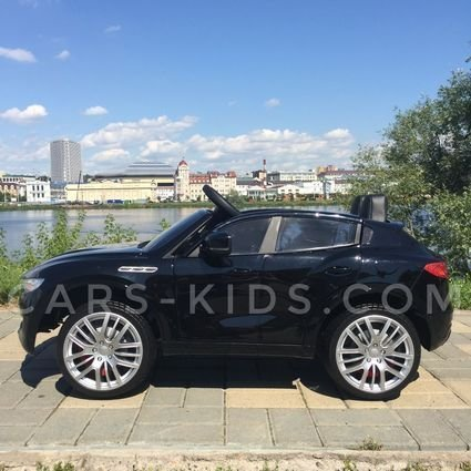 Электромобиль Maserati черный (полный привод, усиленный аккумулятор, резиновые колеса, кожа, глянцевая покраска)